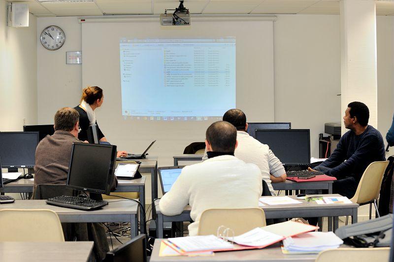 Eleves en alternance, centre Regional Cnam Rhone-Alpes.